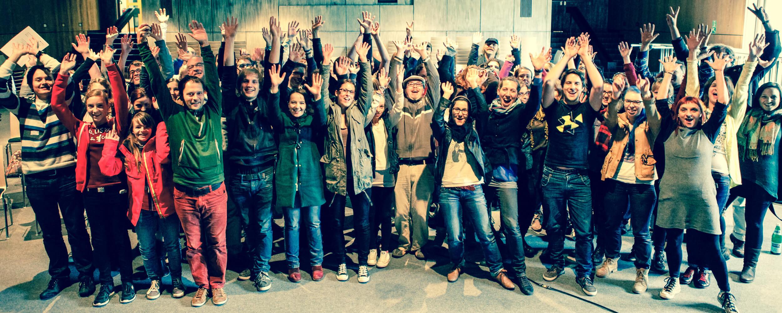 Gemeinsam in den Workshops Regie, Kamera, Schnitt, Dokumentarfilm und Animationsfilm eigene Filme drehen