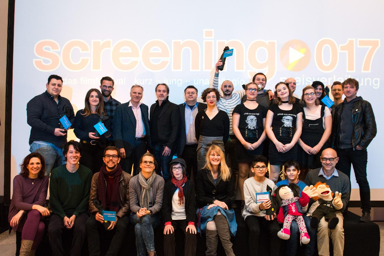Alle Vertreter und Vertreterinnen der Finalistenfilme des Wettbewerbs der 34. video/ film tage von medien.rlp
